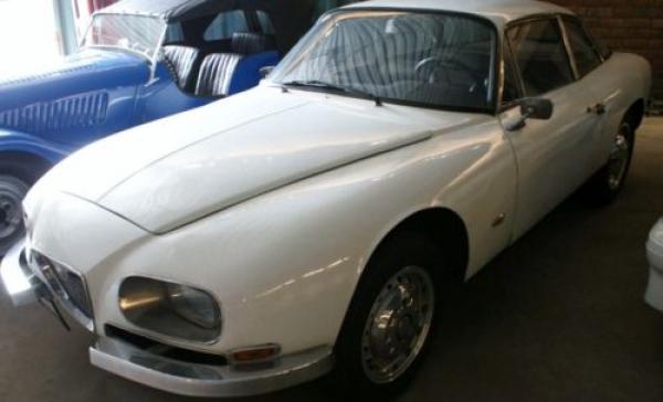 1966 Alfa Romeo 2600 Sprint Zagato Side