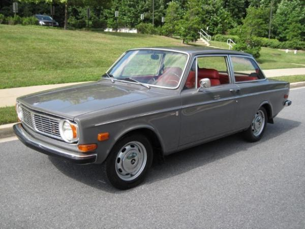 1969 Volvo 142s Front