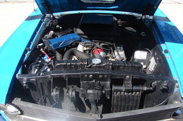 1970_ford_mustang_boss_302_engine_bay.jp