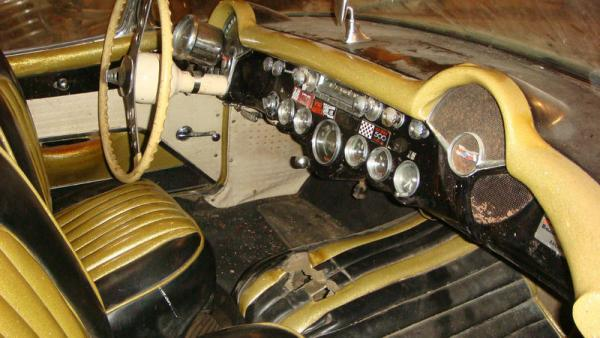 Beige 1957 Chevrolet Corvette Interior