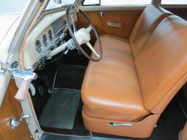 1950-plymouth-two-door-suburban-interior