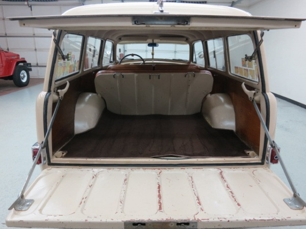 1950-plymouth-two-door-suburban-tailgate