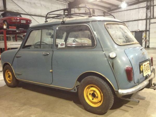 1960-morris-mini-garage-find-rear-corner