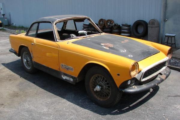 1961-triumph-italia-2000GT