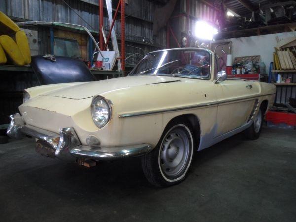 1962-renault-caravelle-convertible-survivor