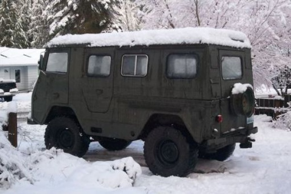 1963-Volvo-L3314HT-in-the-snow
