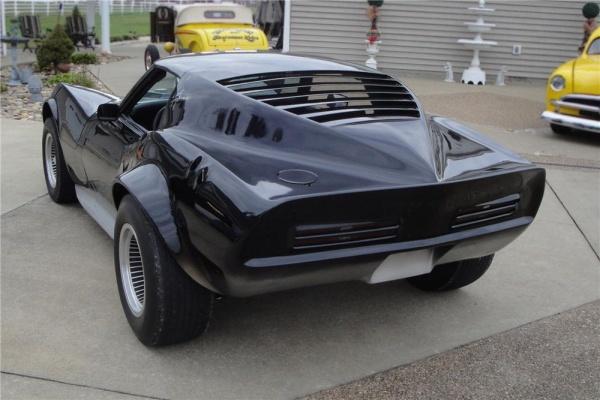 1968-motion-maco-shark-barn-find-rear-corner