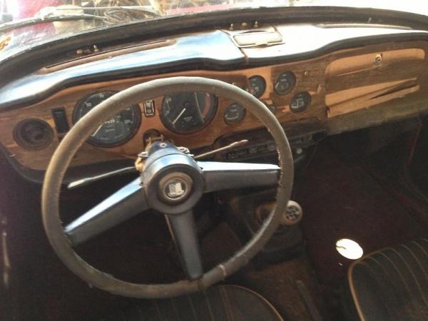 1968-triumph-tr250-interior-barn-find