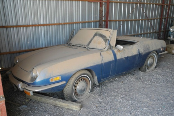 1970-Fiat-850-Spider-barn-find