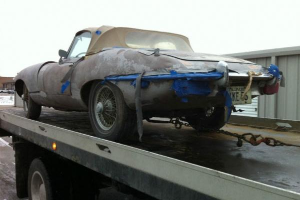 1970-Jaguar-XKE-Roadster-project-rear