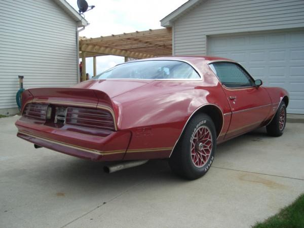 1978-pontiac-firebird-redbird-rear-corner