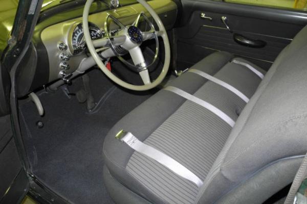 1949-olds-88-interior