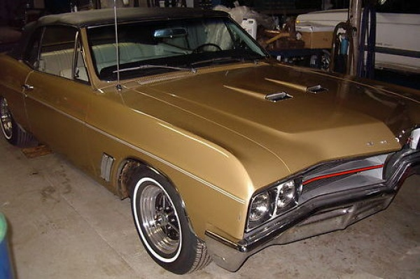 1967-Buick-GS400-Convertible-Survivor