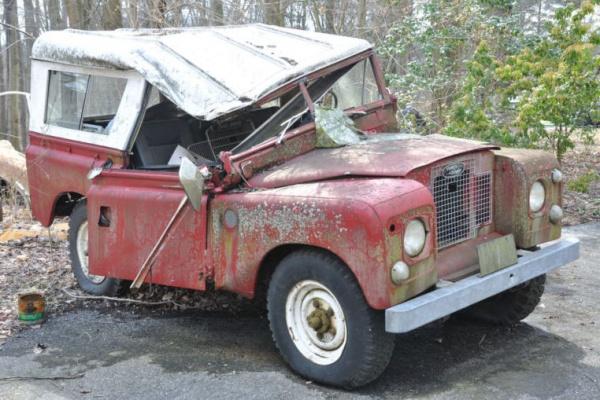 tree-damaged-1967-land-rover-crushed