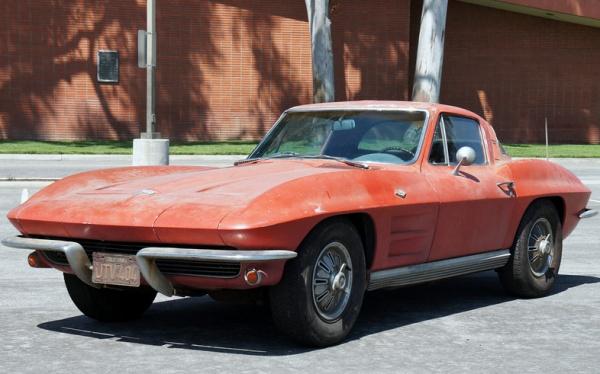 1964-corvette-stringray-airport-find-front-corner