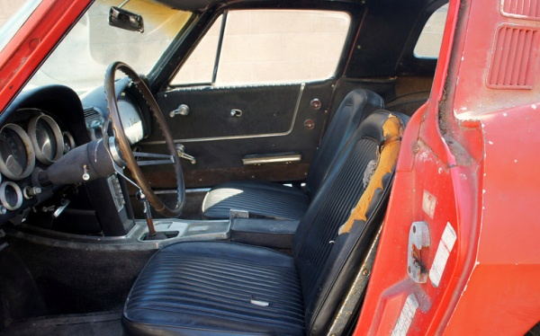 1964-corvette-stringray-airport-find-interior