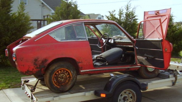 1967-fiat-850-coupe-barn-find-side-view
