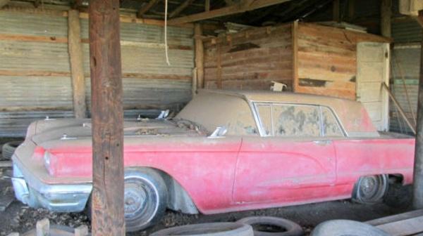 barn-find-1960-ford-thunderbird