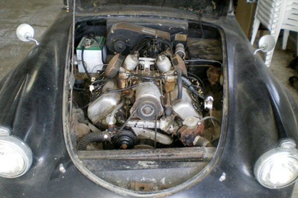 garaged-1962-daimler-sp-250-v8-engine