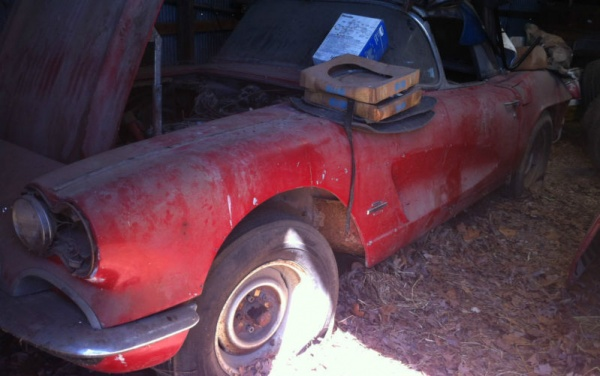 project-1961-corvette-barn-find-front-corner