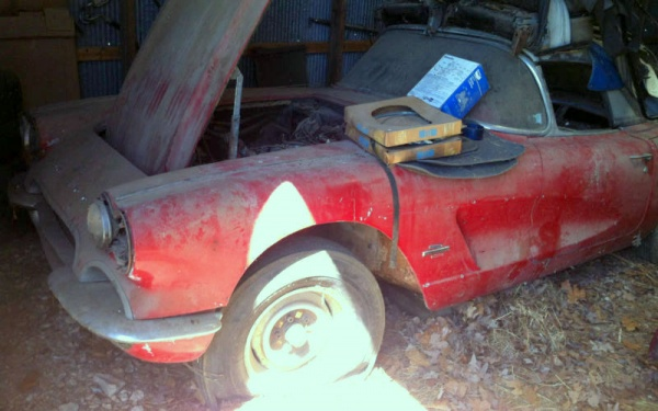project-1961-corvette-barn-find