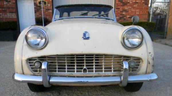 proper-patina-1960-triumph-tr3