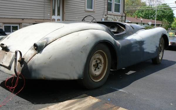 1950-Jaguar-XK120-rear