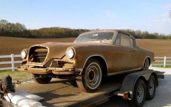 1957-studebacker-golden-hawk