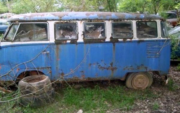 1959-volkswagen-deluxe-microbus-side-view