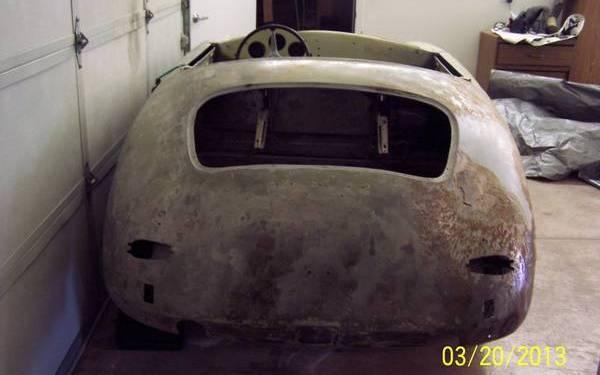 1960-porsche-356-convertible-rear