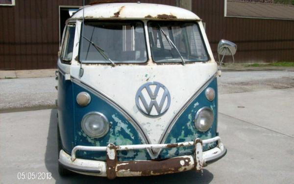 barn-samba-1967-volkswagen-bus-front-end