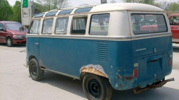 barn-samba-1967-volkswagen-bus-rear-corner