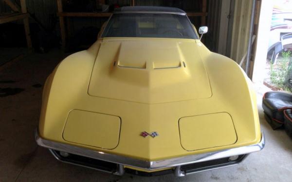 big-block-1969-corvette-stingray-front
