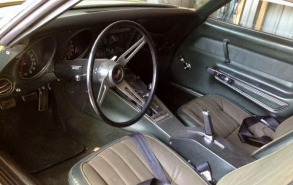 big-block-1969-corvette-stingray-interior