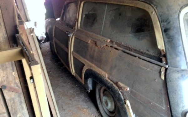 family-farm-1951-ford-country-squire-rear-corner