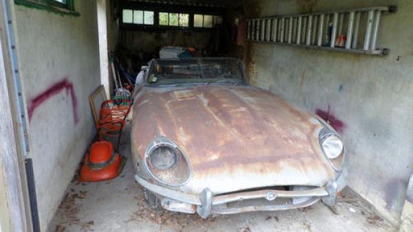 garage-cat-1969-jaguar-e-type