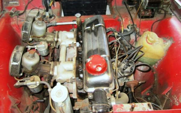 garaged-1961-triumph-tr3a-engine