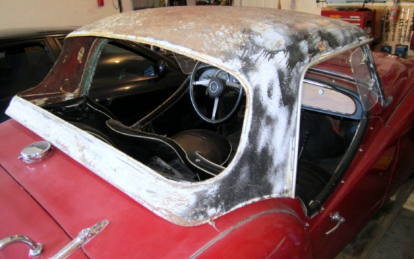 garaged-1961-triumph-tr3a-hardtop