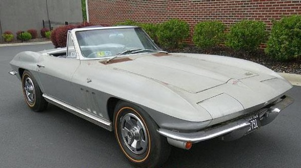 gold-survivor-1966-corvette-front