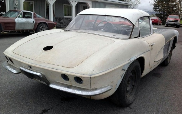 mostly-complete-1961-corvette-rear-corner
