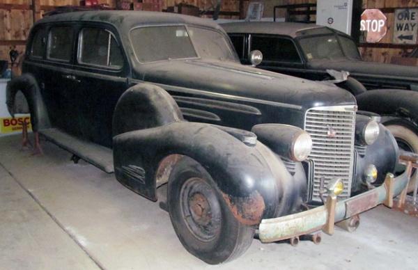 1938-Cadillac-V16