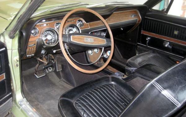 1968-Shelby-GT500KR-interior