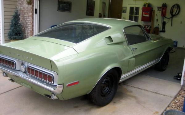 1968-Shelby-GT500KR-rear