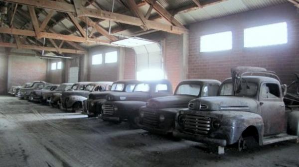 barn-find-trucks-in-nebraska