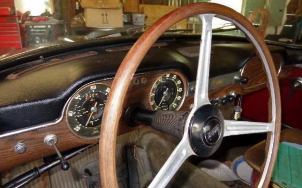 1961-lancia-flaminia-cab-interior-barn-find