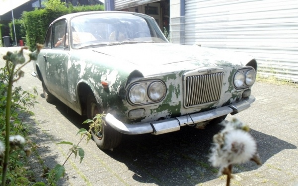 1964-Sunbeam-Venezia-barn-find