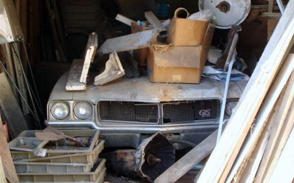 buried-1970-buick-skylark-gs-barn-find
