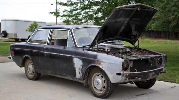 1968-volvo-142s-barn-find