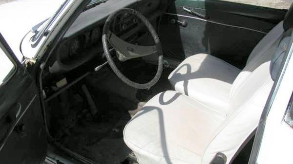 1971-subaru-ff-1-interior