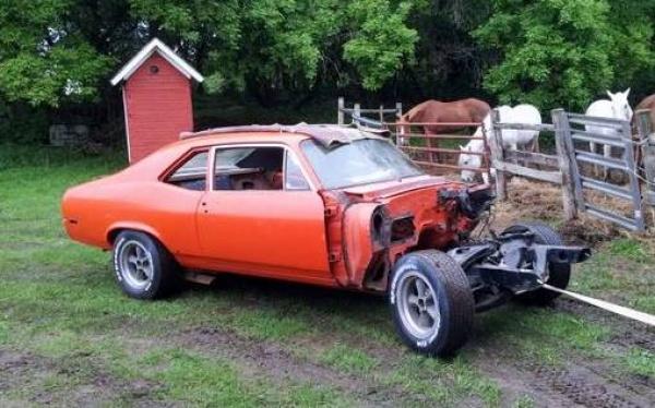 hugger-orange-1970-chevy-nova-ss396